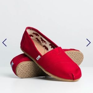 Toms Classic Red Canvas Shoe Size 7.5